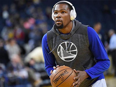 NBA's star wear Beats headphone in training